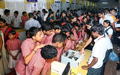 Engineers to School exhibition